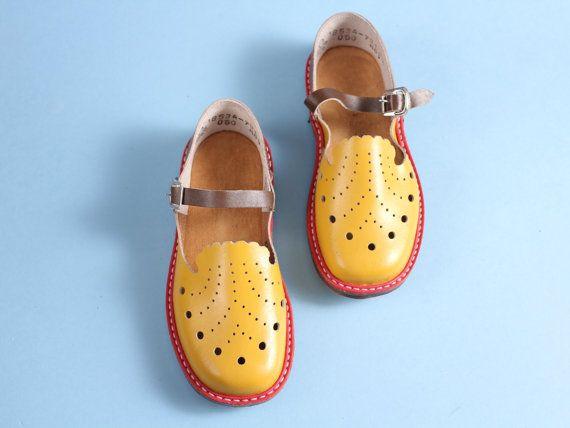 f59834ee37180 size 12,5 Vintage children sandals 70s – soviet yellow brown sandals ...