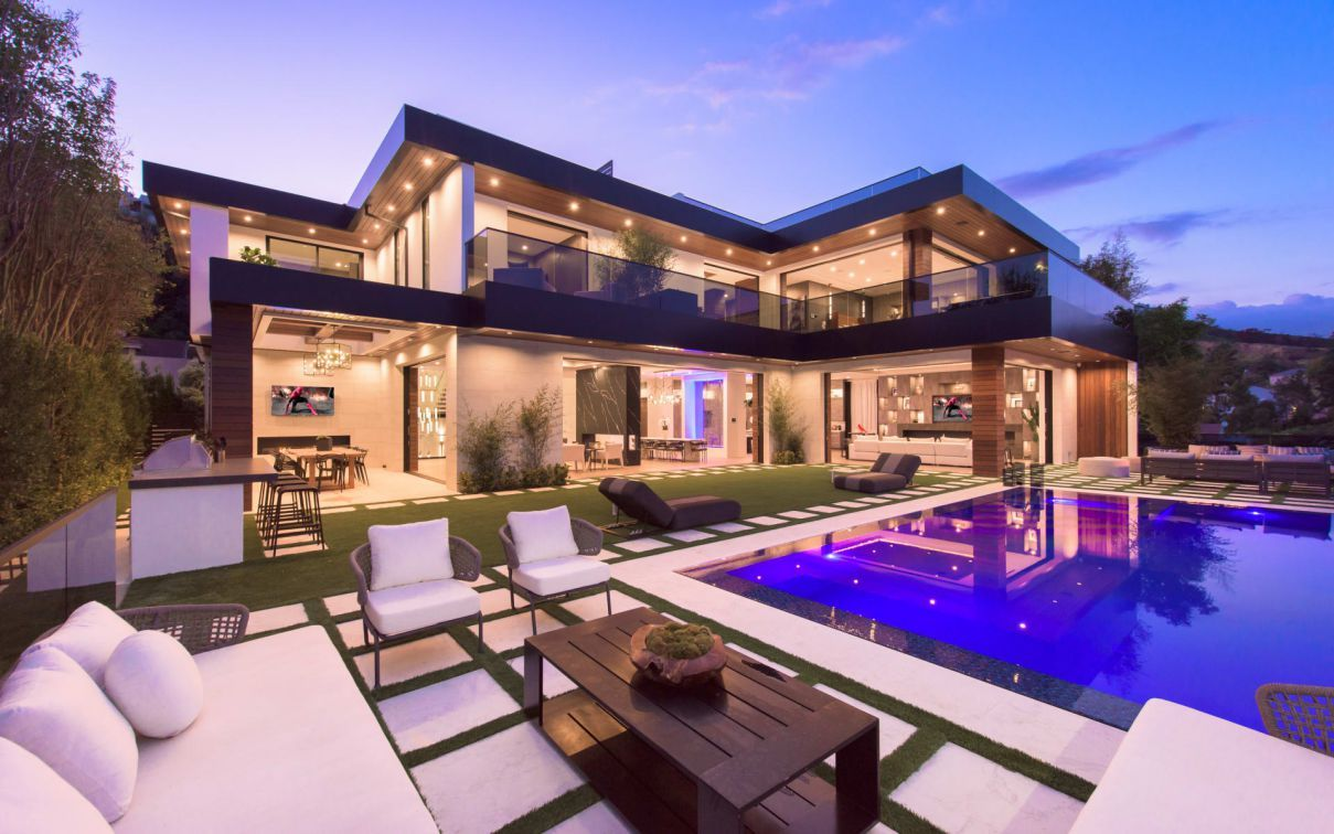Kenfield Ave Modern Home Located On One Of The Most Exclusive Streets Of The Westside Los Angeles 950 Kenfi Mansions Luxury Homes Dream Houses House Exterior