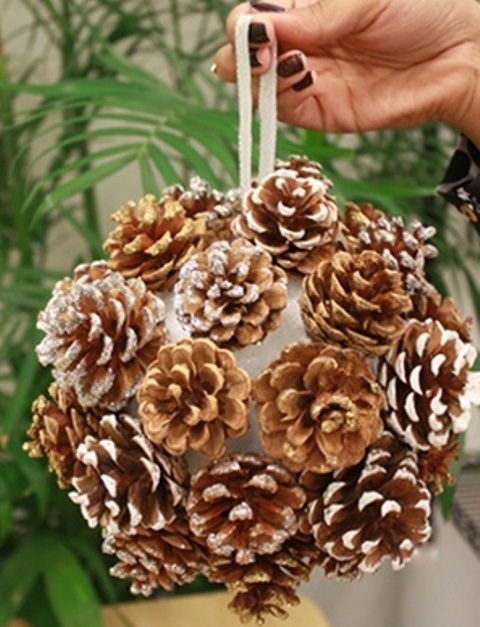 21 ideas de decoraci n con pinos para navidad para for Adornos navidenos para exteriores