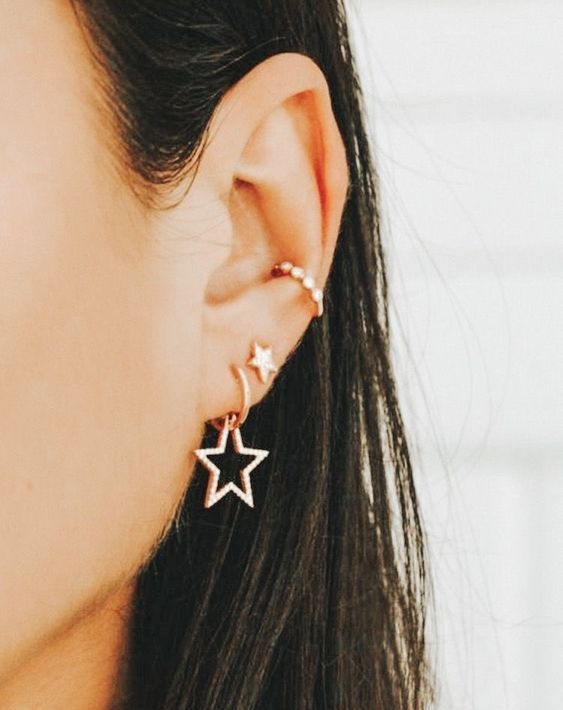 72 Ear Piercing For Women Cute And Beautiful Ideas is part of Ear jewelry, Earrings, Jewelry outfit, Ear piercings, Ear piercing for women, Ear - Trending Ear Piercing ideas for women 2019  Ear rings are always hot! In other words, they can make you look totally different from the rest