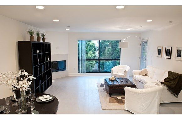 Experience Beach Culture At Its Best By Renting In L A Beautiful Apartments Los Angeles Apartments Apartments For Rent