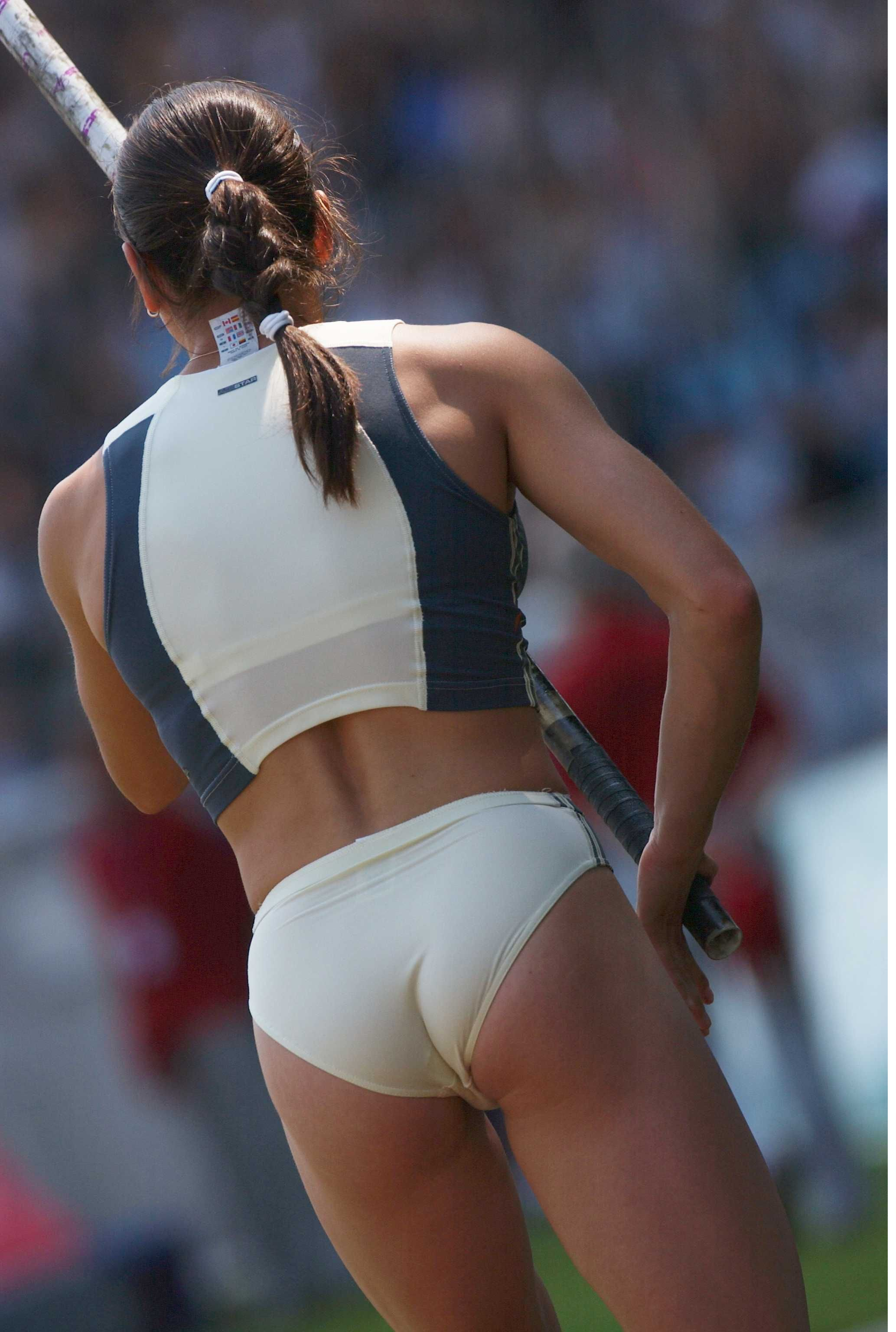 naked bottomless female athletes