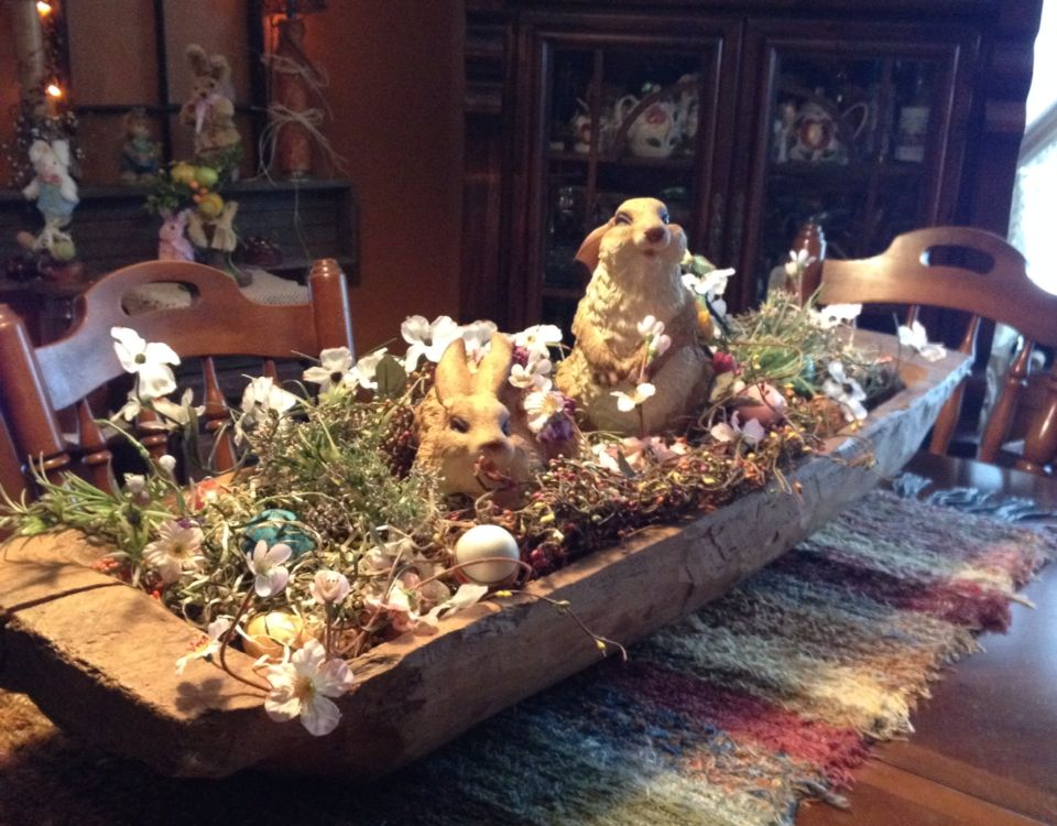 Dining room table centerpiece bowls