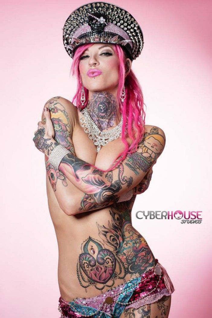 Girls with pink hair and tattoos