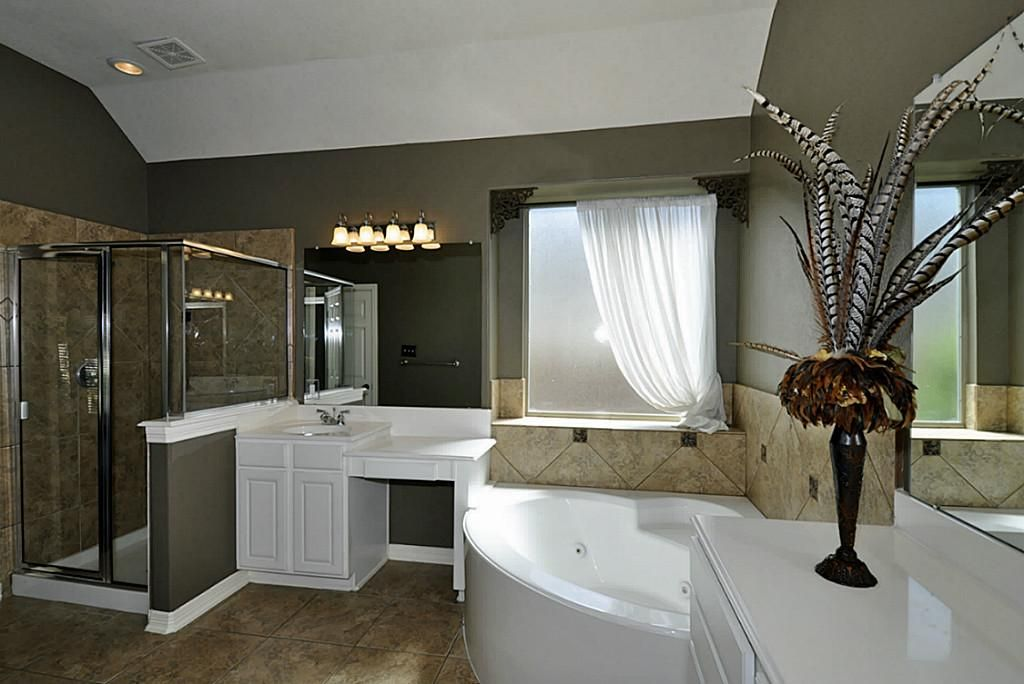 Travertine Bathroom Paint Color Google Search Bathroom Paint Colors Painting Bathroom Travertine Bathroom