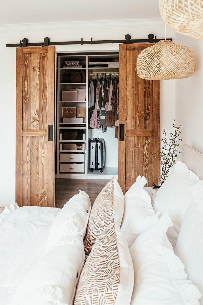 Doppelschiebetür holz im Schlafzimmer