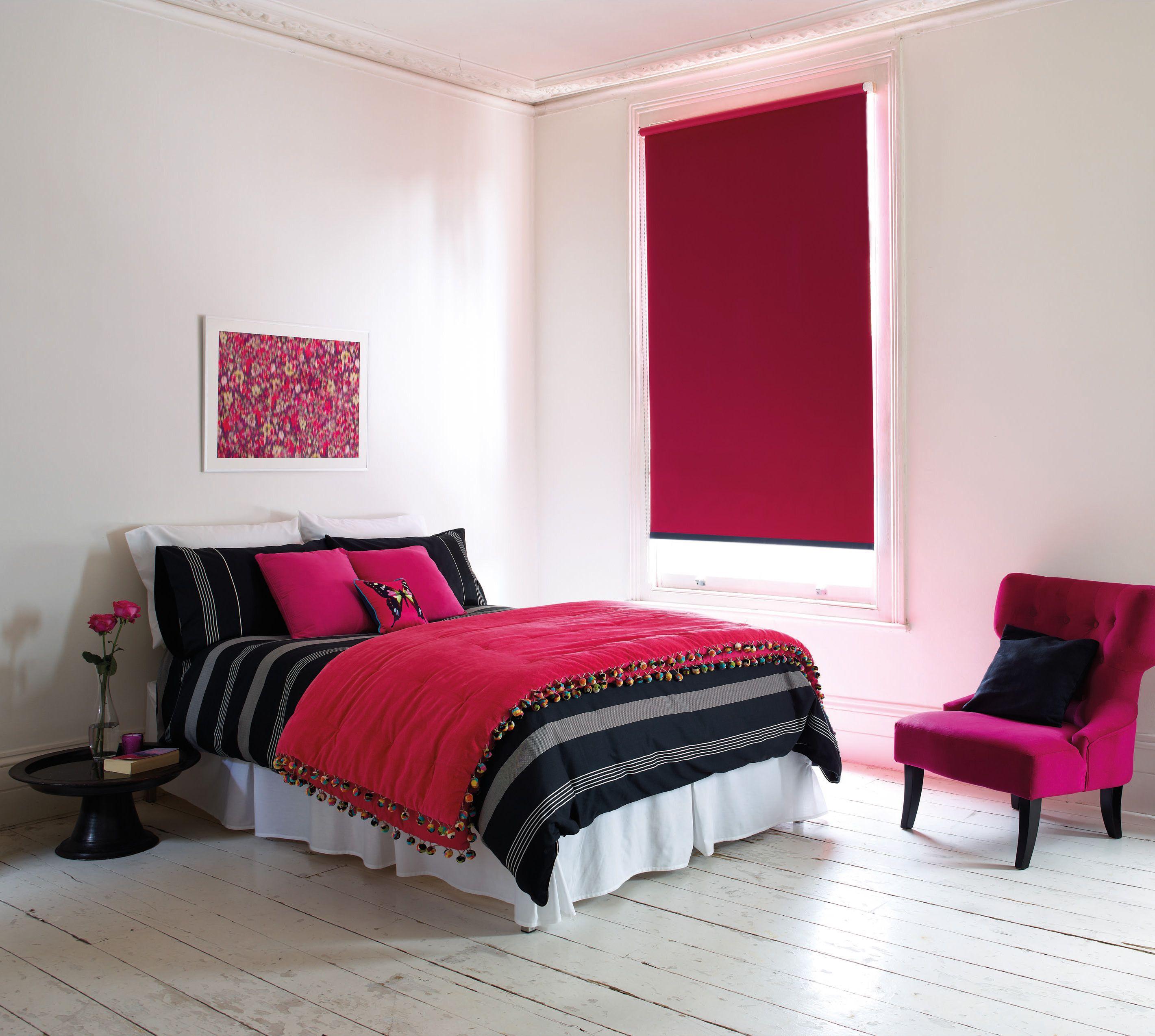 Bella Lollipop Roller Blind #thefabricbox #blackoutrollerblind #pinkrollerblind #windowfashion #bedroom #blind #pink #strikingdesign #interiors