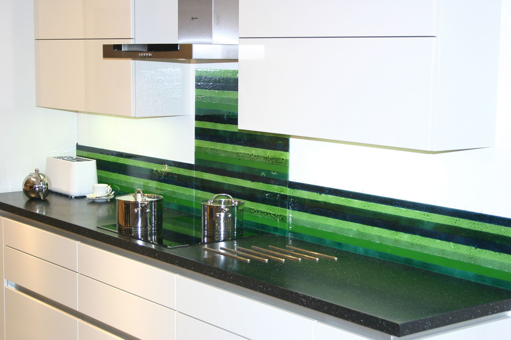 This Splashback In Our Lush Stripe Has Been Made In Three Sections Joining Neatly Together Splashback Glass Splashback Light In The Dark
