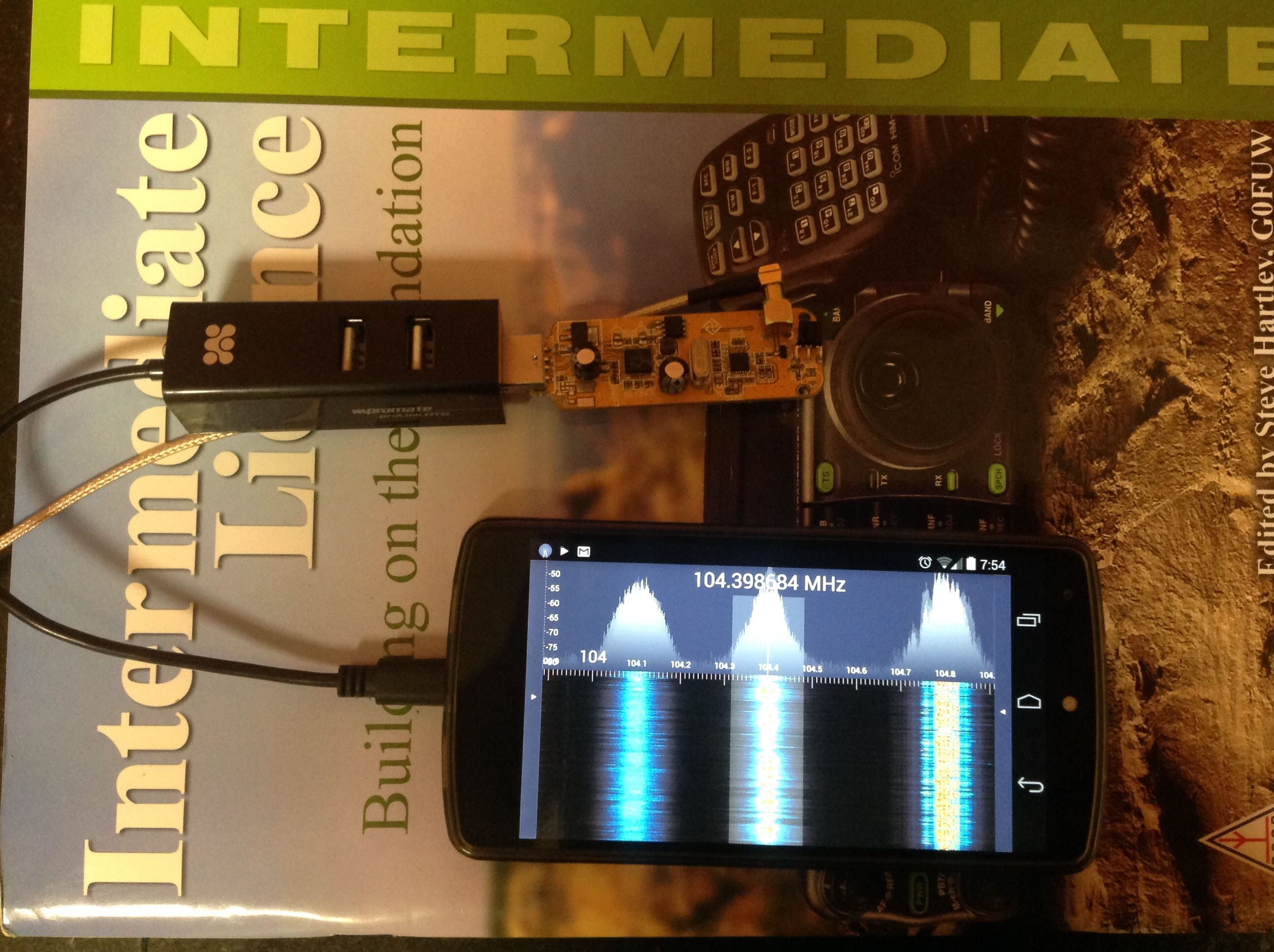 RTL SDR R820t via OTG to Nexus 5 running SDR Touch  Discone D130