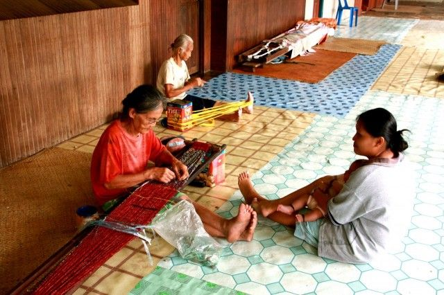 A visit to a Borneo longhouse