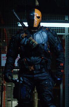 Arrow Deathstroke Mask T-Shirt Green Assassin DC Villain TV