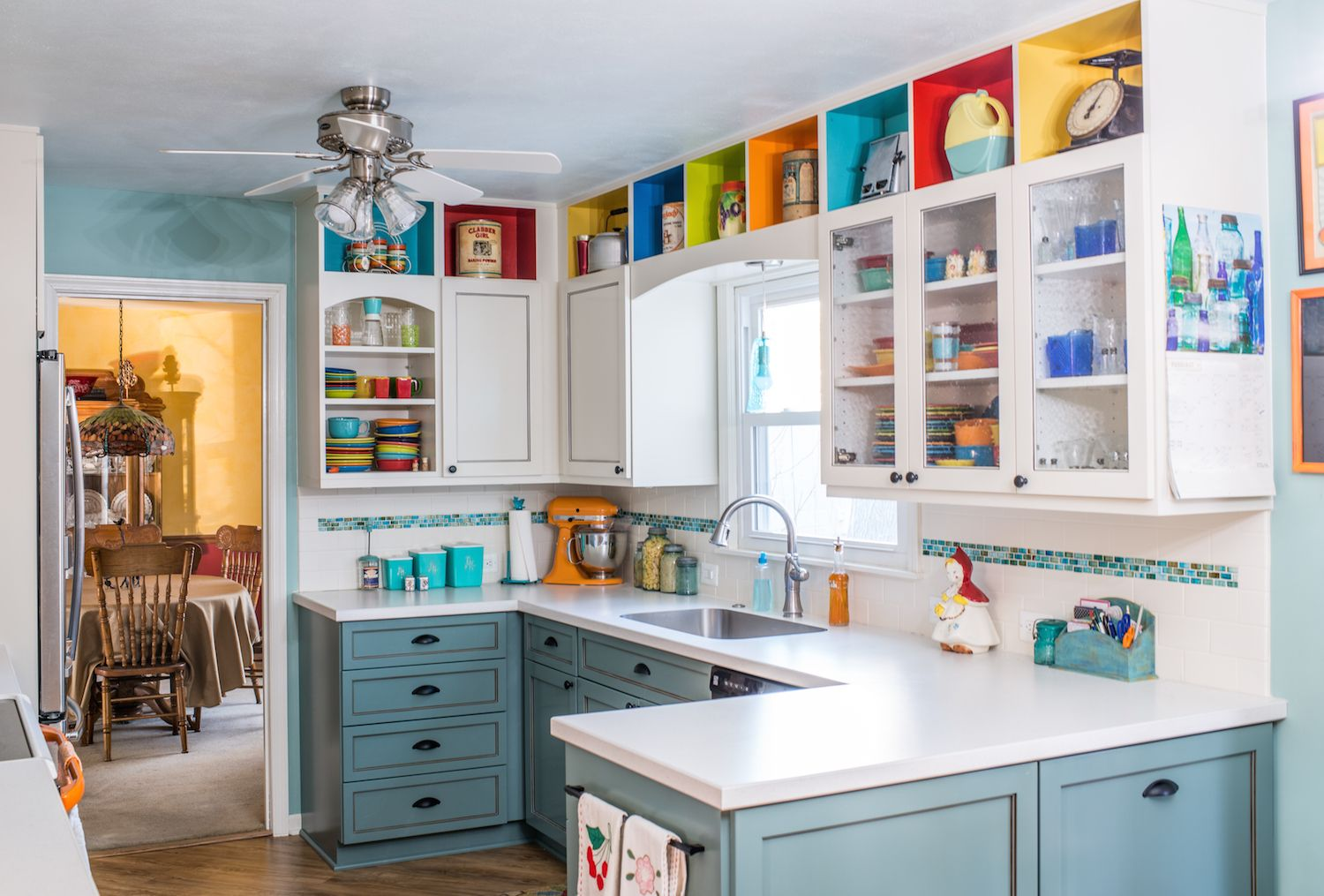 Kitchens In Bloom The Stock S Kitchen Como Living Magazine Kitchen Decor Trends Quirky Kitchen Decor Quirky Kitchen