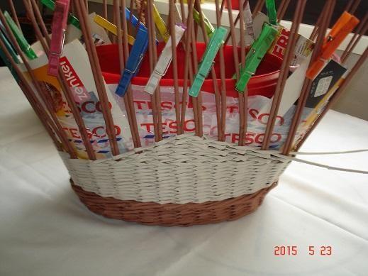 907fa44b1 Košík na nákup z papletu, fotopostup   projekty na vyzkoušení