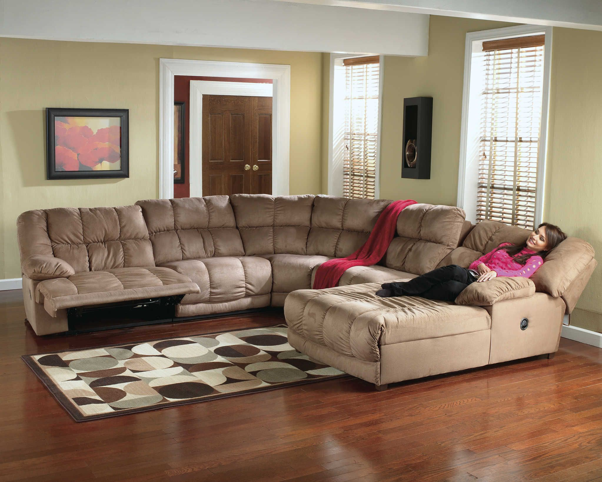 Microfiber recliner sectional sectional sofa recliner for Family room furniture