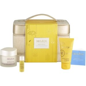 Christmas browsing for that certain someone? Have you seen the #Decleor Hydrating Vanity Case yet? £39.99 for this #perfectgift #metallic