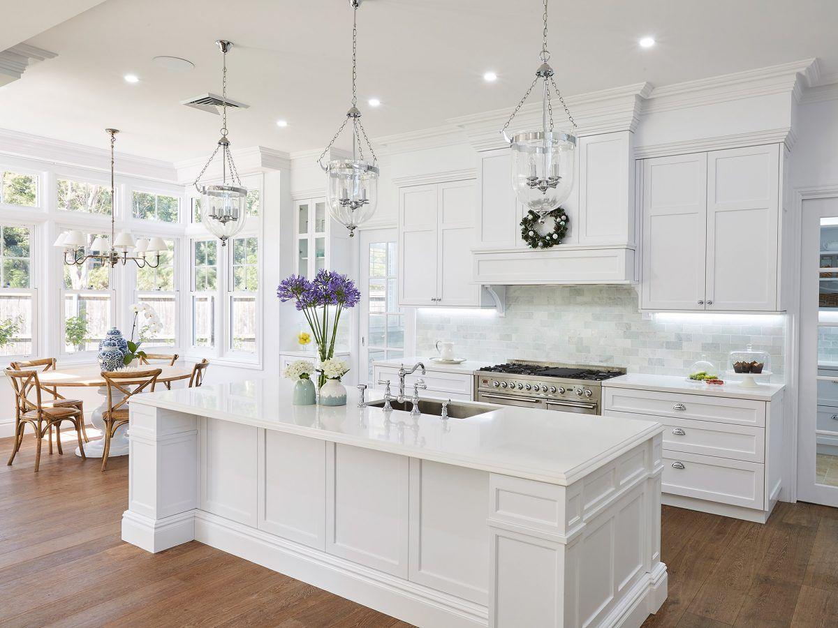 A Lesson In Coastal Style Aussie Hamptons White Kitchen Design Kitchen Interior Kitchen Cabinet Design