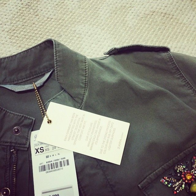 最近薄っぺらくなったとよく言われます…アウターのサイズが変わりました。笑  #zara#spain#rebaja#sale#outer#camisa#fashion