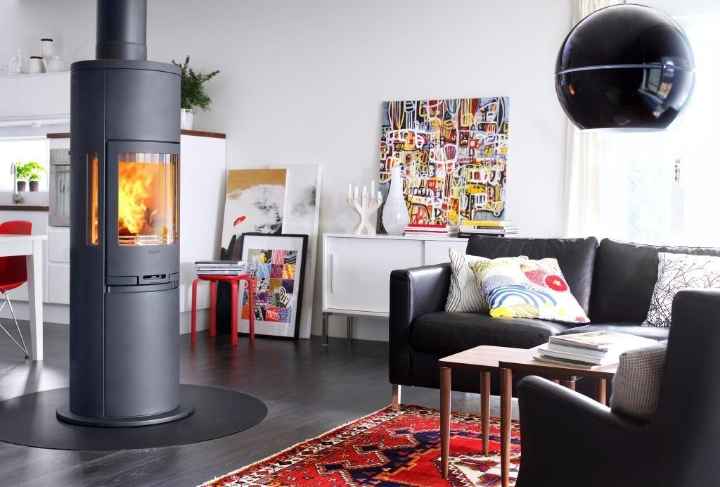 Freistehender, Runder Ofen In Schwarz   Ideen Fürs Wohnzimmer   Ofen In 360  Grad