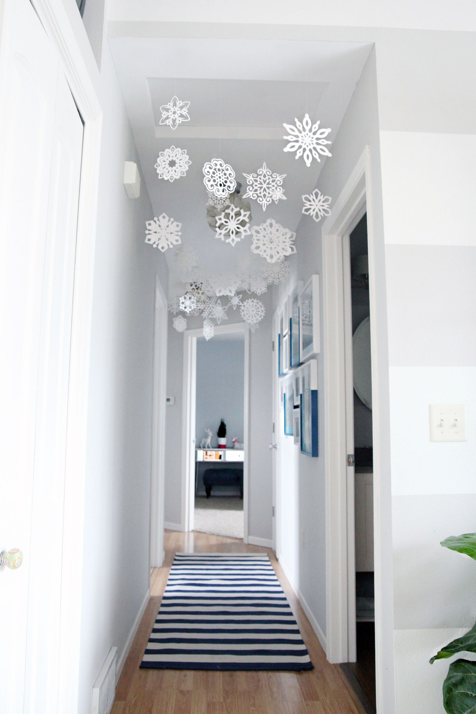 27 Brilliant Ways To Decorate Your Small Space For Christmas ...