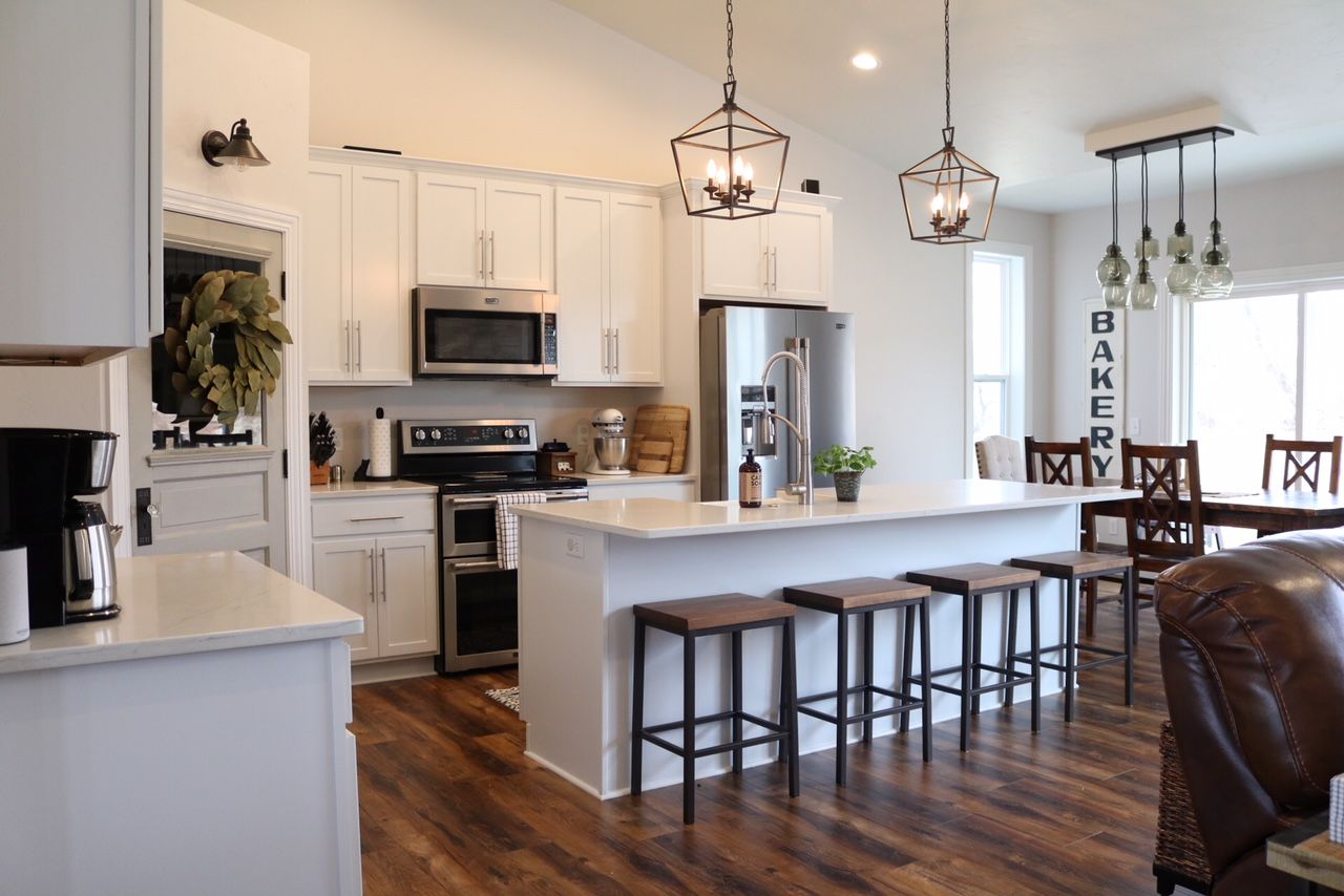 Modern Farmhouse Kitchen Reveal - SUGAR MAPLE notes