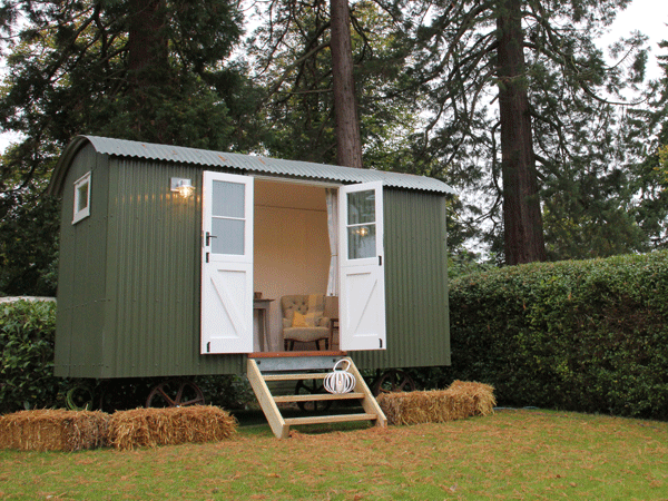 Build Your Own Office. They Built A Stunning Traditional Shepherd\u0027s  Hut With Flawless