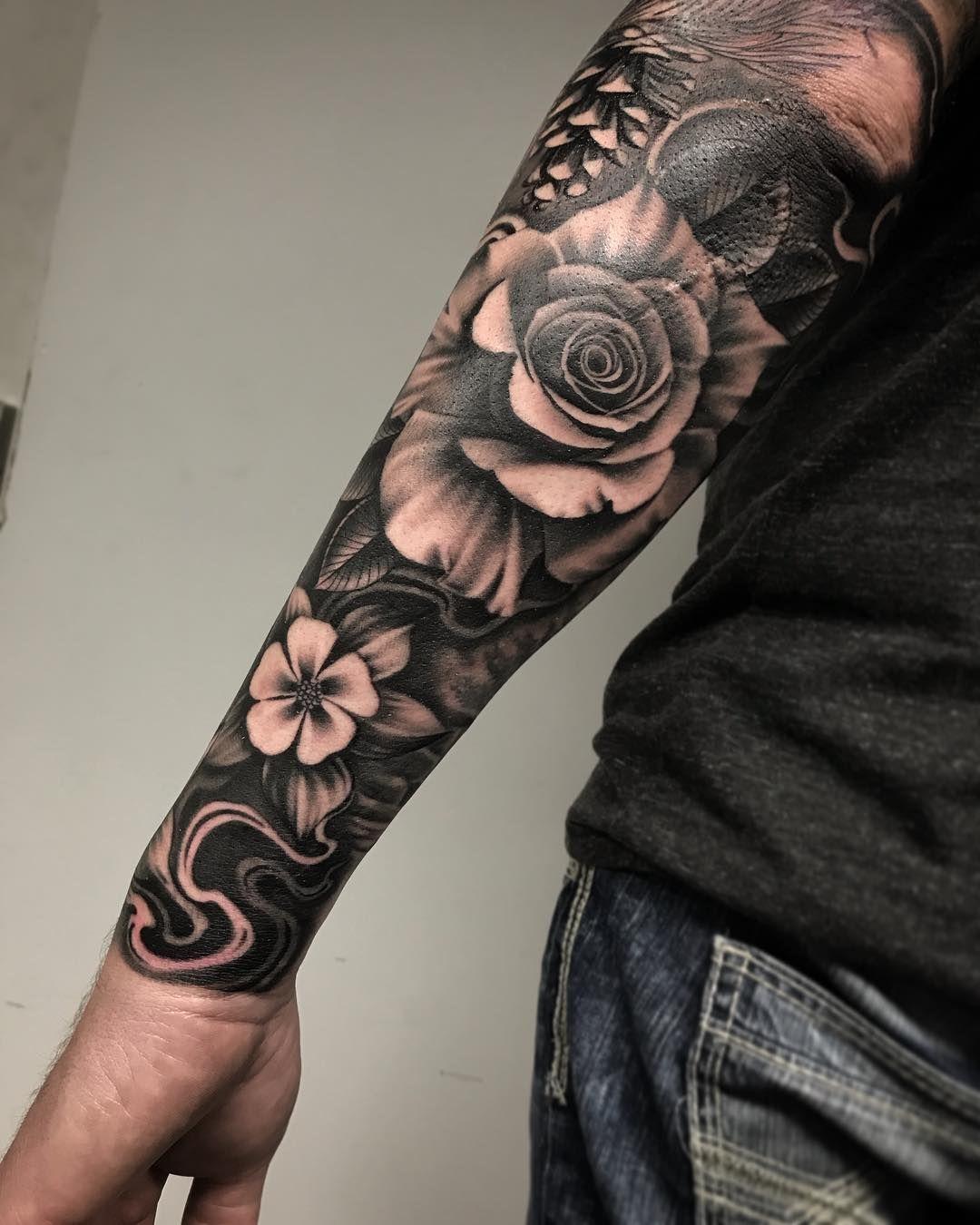 Masculine Flower Tattoo : masculine, flower, tattoo, Floral, Tattoos, Masculine, Fellas, Don't, Think, Roses, Ladies., Artis, Tattoo, Sleeve,, Flower, Tattoo,
