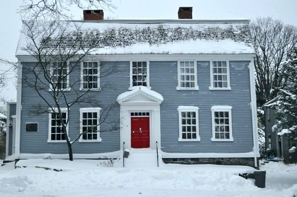Colonial Blue House Colonial Blue House With Red Door By Light Gray Shutte Colonial House Exteriors House Exterior Blue Exterior House Paint Color Combinations