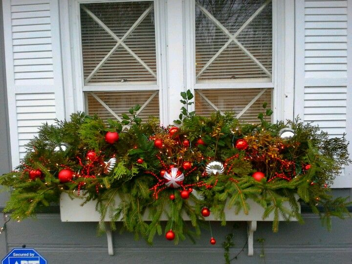 Blumenkasten Weihnachtlich Dekorieren window box i made this from clipped pieces of evergreen