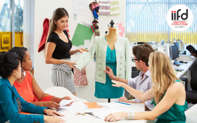 Choosing A Fashion Degree School Fashion Designing Course Fashion Designing Colleges Career In Fashion Designing