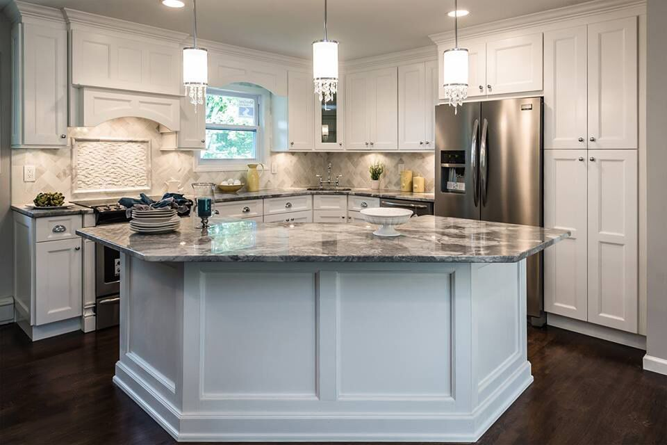 Just Look How These Fabuwood Cabinets Tie This Kitchen