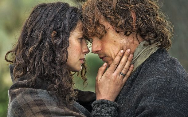 'Outlander' featurette offers peek at Jamie and Claire's married life | EW.com