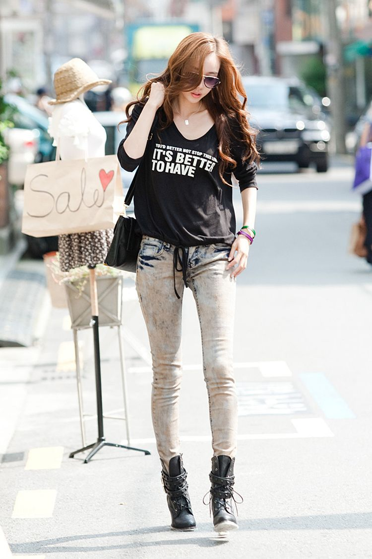 ♥ GG's tiny times ♥ boots, graphic t shirt with light washed jeans, is the way to go# Korean fashion street style