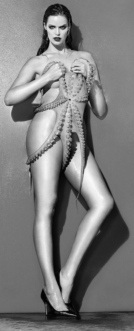 Poll kelly brook vs lindsey pelas nude (49 pics)