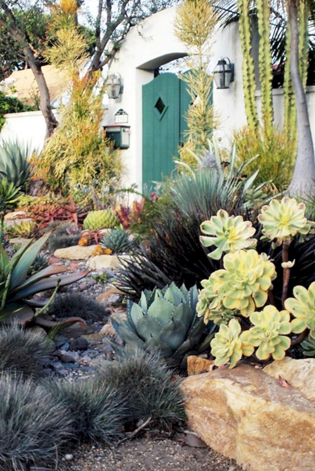 Sublime 30 Beautiful Desert Garden Design Ideas For Your Backyard  Https://freshouz.com/30 Beautiful Desert Garden Design Ideas Backyard/  #home #decor ...