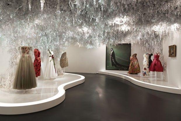 65d19823935 Maison Dior completa 70 anos com exposição em Paris