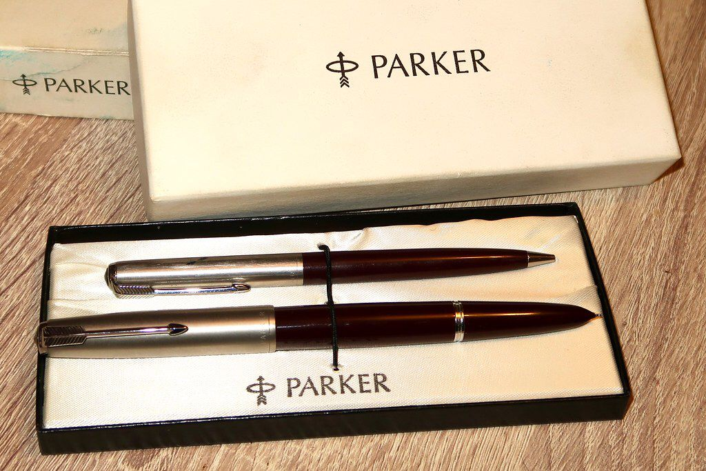 Parker '51' fountain and pencil in cordovan (burgundy