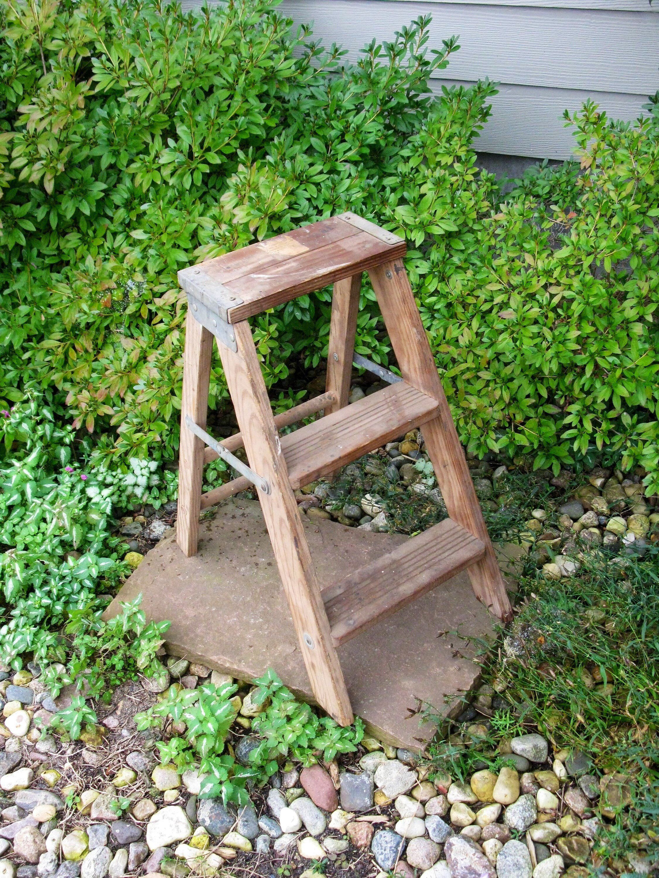 Vintage Wooden Step Ladder Step Stool Folding Ladder Plant Stand Shabby Primitive Distressed Wood Paint La Plant Stand Wooden Steps How To Distress Wood