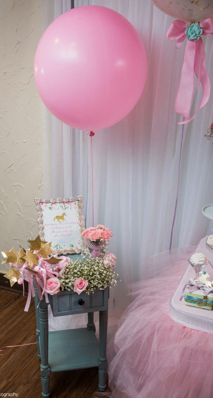 Dekorationsideen für Babyparty in Rosa, große Luftballons ...