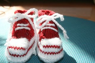 Breien En Haken In Oostende Converse Baby Booties Photo Tutorial