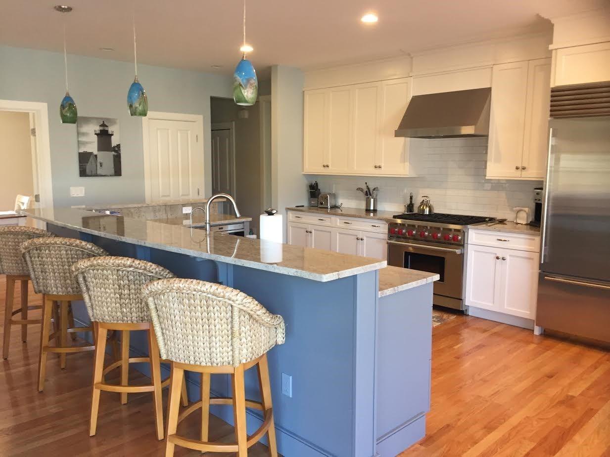 cool cape cod kitchen island design | New Seabury, Cape Cod kitchen (rental house!) | Cape Cod ...