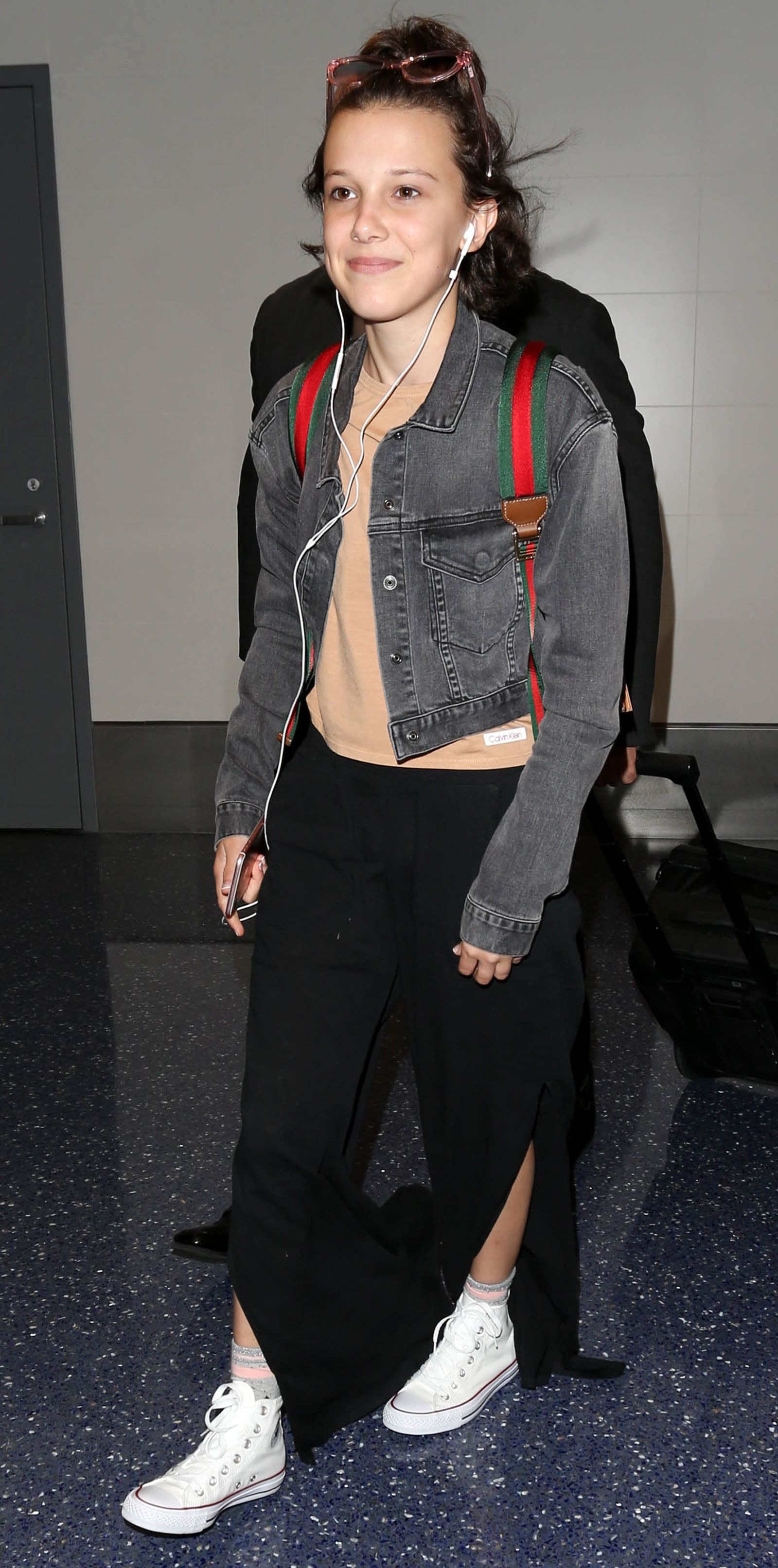 Millie Bobby Brown Hot : millie, bobby, brown, Celebrity-Inspired, Outfits, Plane, Millie, Bobby, Brown,, Celebrity, Inspired, Outfits,, Brown, Outfit