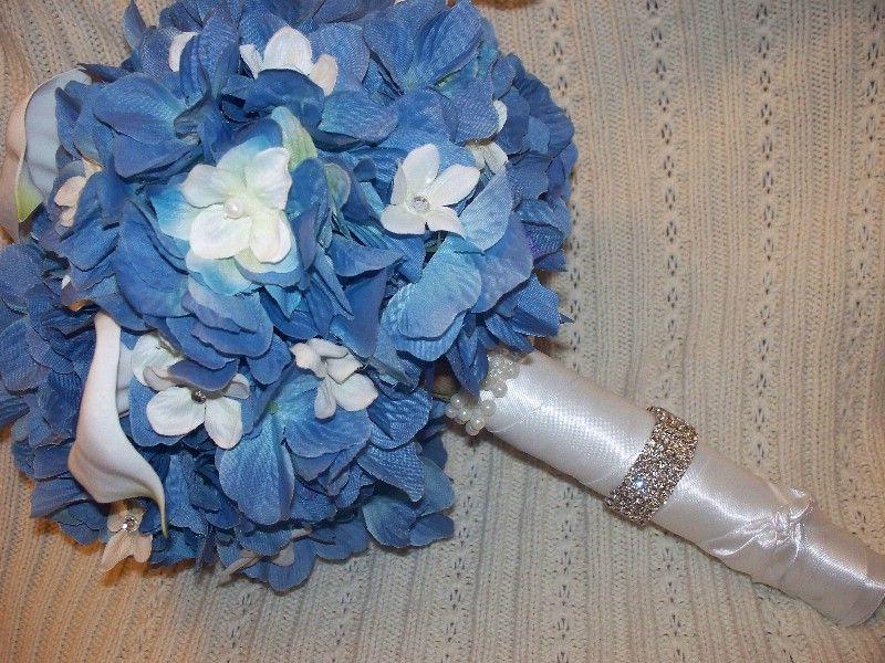 Google Image Result for http://photos.weddingbycolor-nocookie.com/p000013677-m168057-p-photo-439716/Blue-Wedding-Flowers-My-Bouquet.jpg