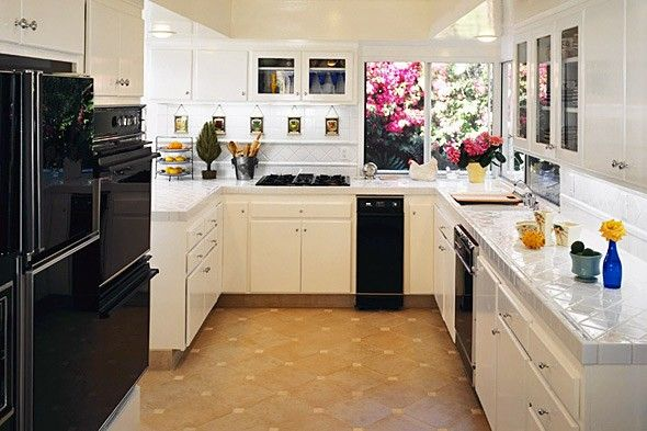 Kitchen remodel for every budget from 50 10 000 for for Low budget kitchen ideas