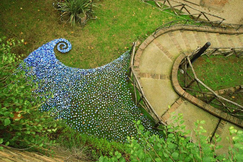 Italian artist Micaela Lattanzio . Hundreds of tiny paper-cut hexagons pay homage to the sky at Rome's Gardens of Sallust   Creative Boom