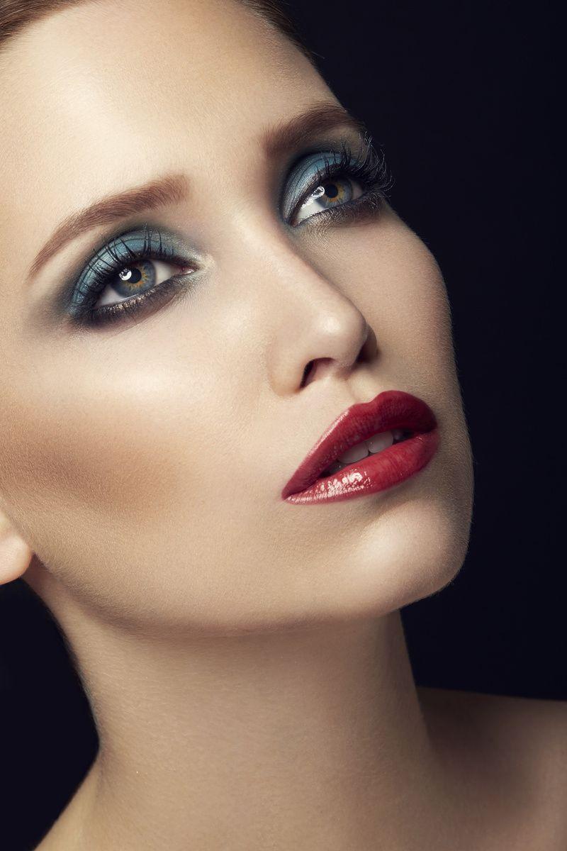Classic make-up