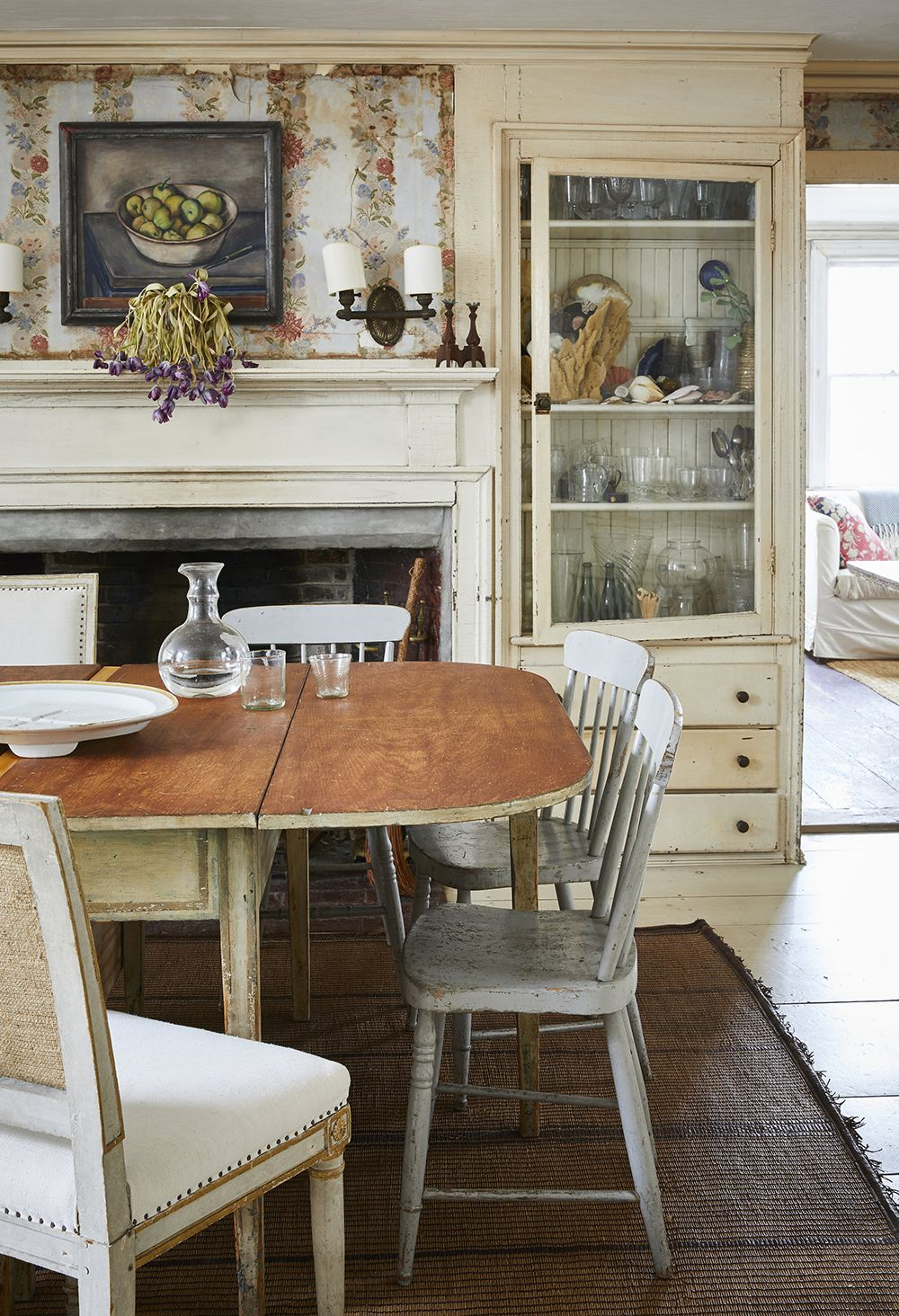 Country interior farmhouse beautiful interiors decoration old houses kitchen dining also john derian   new york city abode is as charming and eclectic his rh pinterest