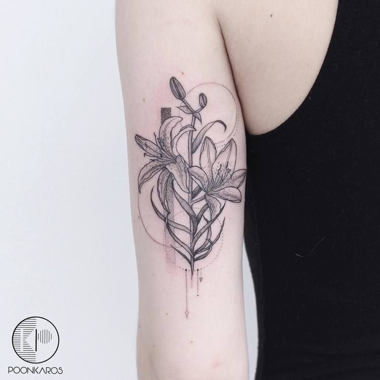 44 Fine Line Black And Grey Tattoos By Poonkaros Page 2 Of 4 Tattooadore Grey Tattoo Tiger Lily Tattoos Tattoos