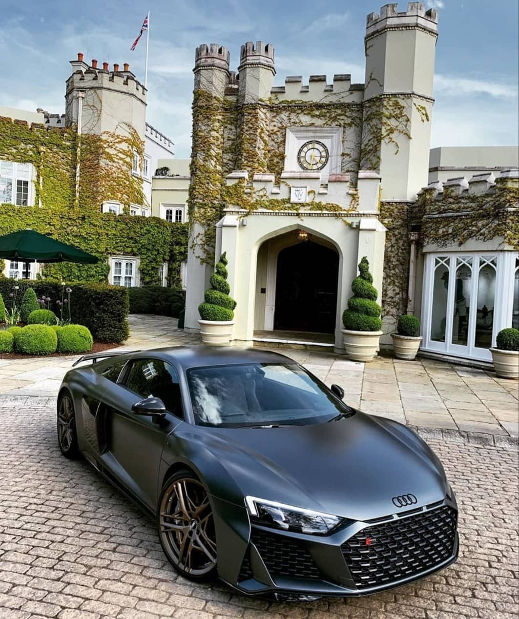 Turbocharge Your Content And Rank Better By Using Updated Searchable Stock Video Collection Of 25 000 Royalty Free Premium Ful In 2020 Sports Cars Luxury Audi Rs Audi