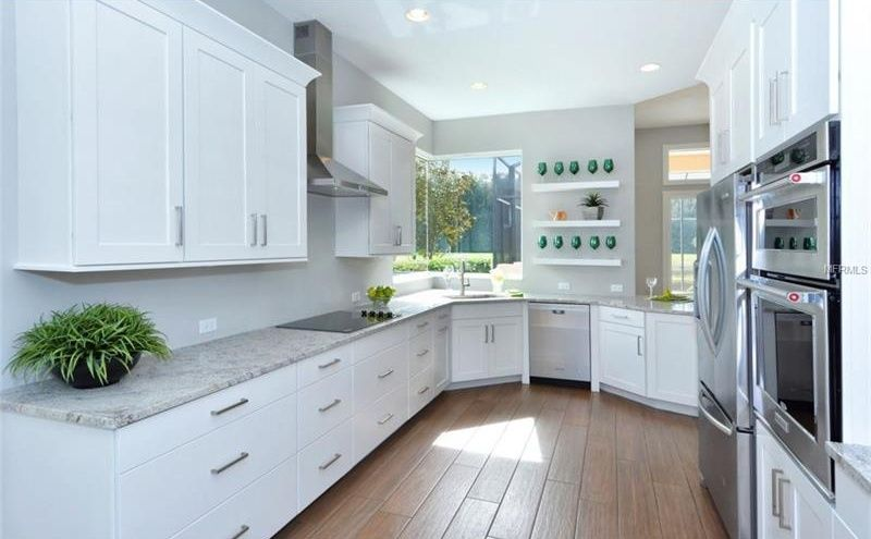 Kitchen With KraftMaid Cabinetry Slab Veneer Maple In Dove White, Flat  Panel Cabinets, Undermount