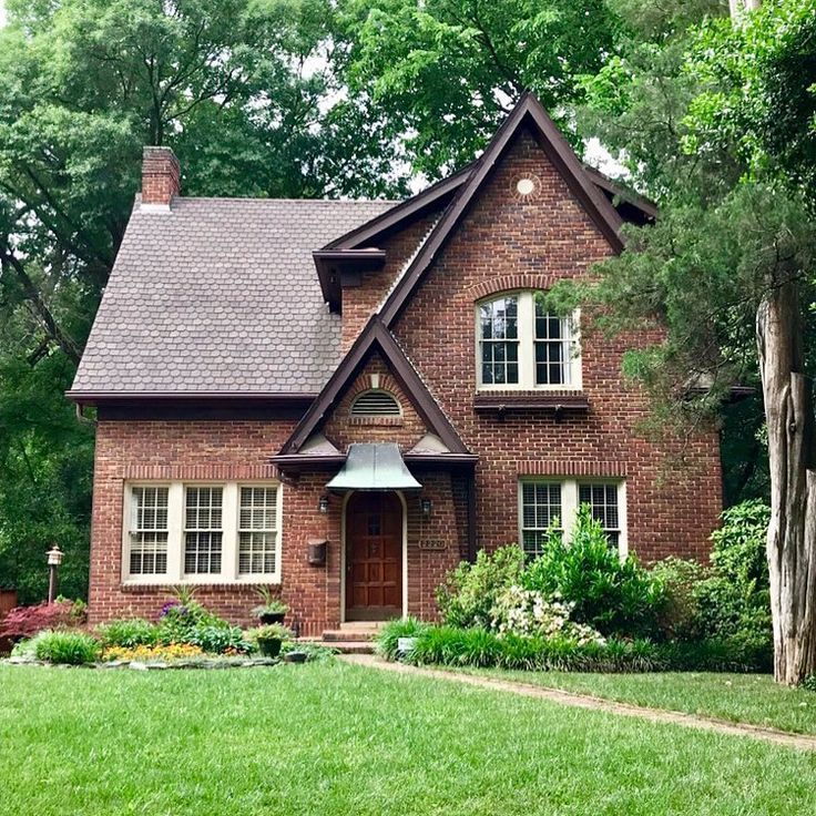 Exterior Small Home Design Ideas: Cozy Brick Cottage - Google Search (With Images)